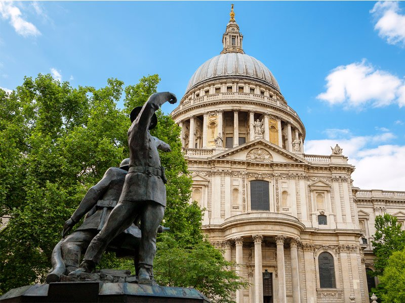 17 Must-See Attractions in London - TripsToDiscover.com