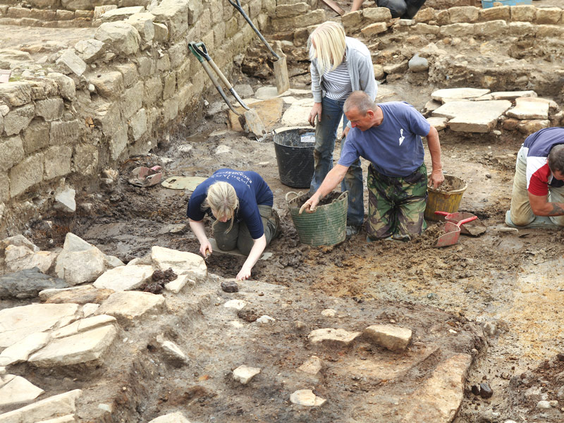 keep vindolanda digging essay An online community of vindolanda roman fort's volunteers, staff, and friends.