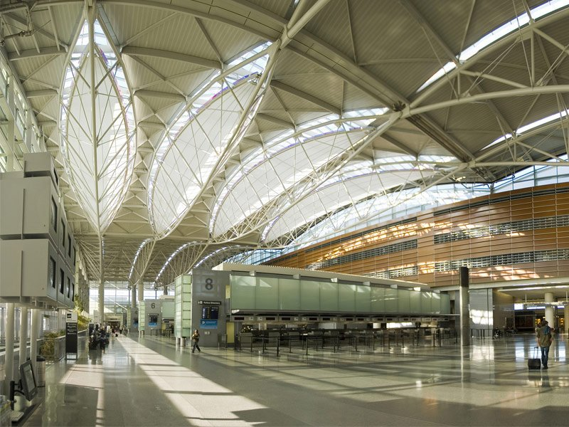 Airports Where Youll Definitely Want A Layover In - The 15 best airports for a layover