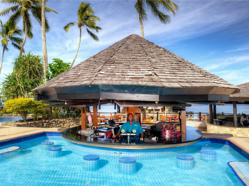 18 Resorts And Hotels With The Most Amazing Swim Up Bars