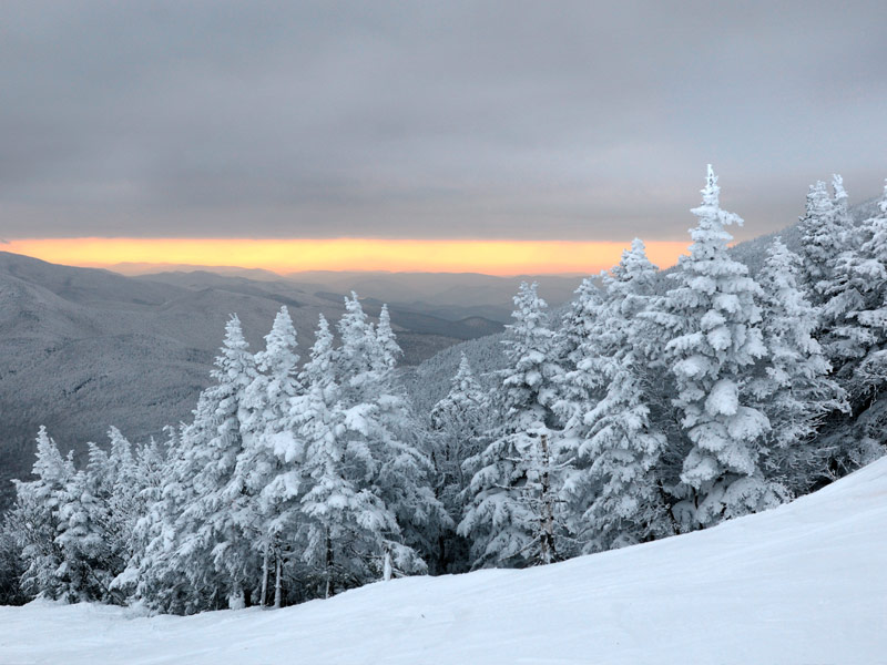 Stowe Mountain Lodge >> Best Winter Destinations for Snowshoeing - TripsToDiscover.com