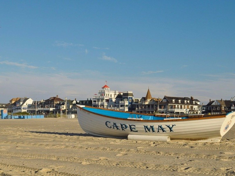 jersey shore big and beautiful singles A narrow, 4-mile-long community on the northern end of the jersey shore, sea bright is the state's easternmost beach it's known for its many members-only beach clubs, but all visitors can enjoy the public beach in the center of town.