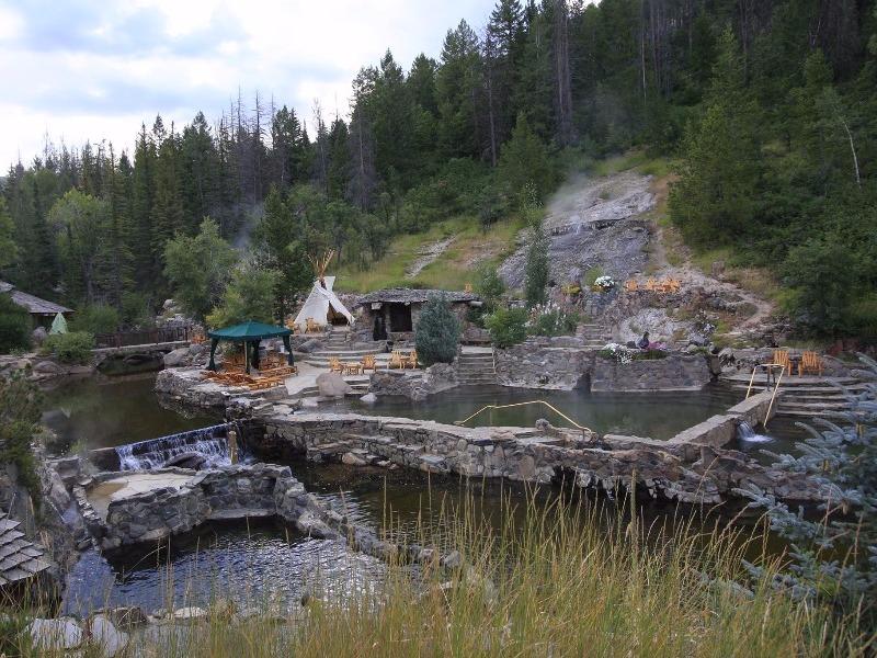 8 Best Hot Springs In Colorado Worthy Of A Road Trip