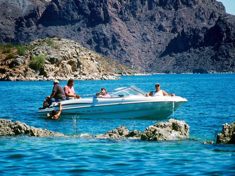 12 best places to go fishing in arizona for Fishing lake mead from shore