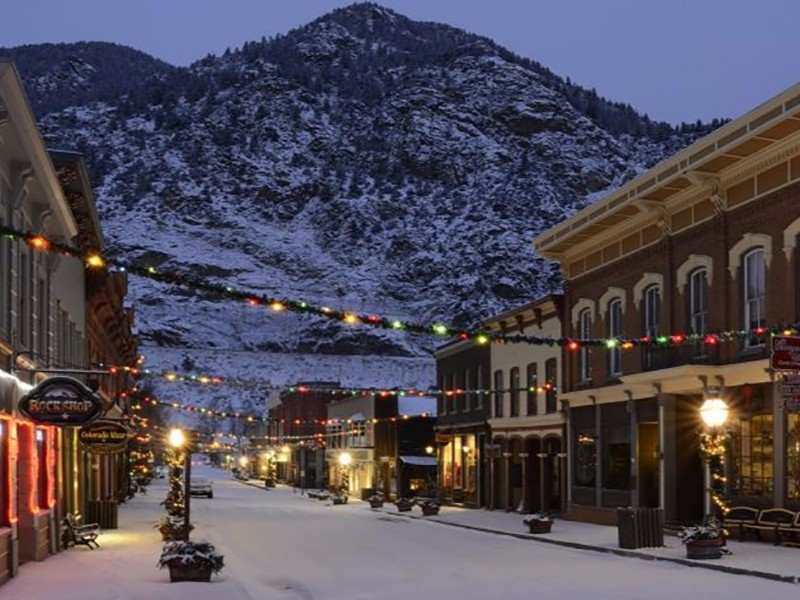 9 Best Christmas Towns To Visit In Colorado