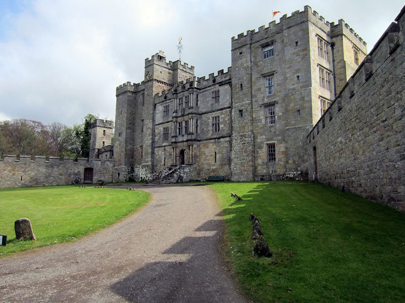 Chillingham Castle Halloween 2020 10 Haunted Castles in Europe You Can Visit This Halloween 2020