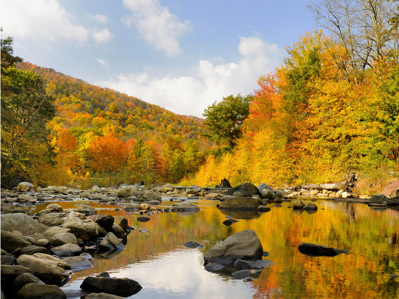 15 Spectacular Places Across the US for Fall Colors