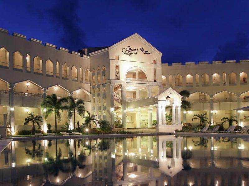 Boracay Grand Vista Resort Top Indian wedding planner for Weddings in Manila, Boracay, Bohol. Thinking of a Philippines wedding? Call/WA +919910325805 | +919899744727 now!