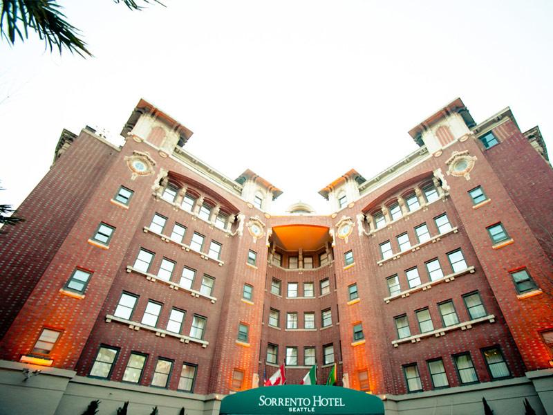 Khách sạn Sorrento