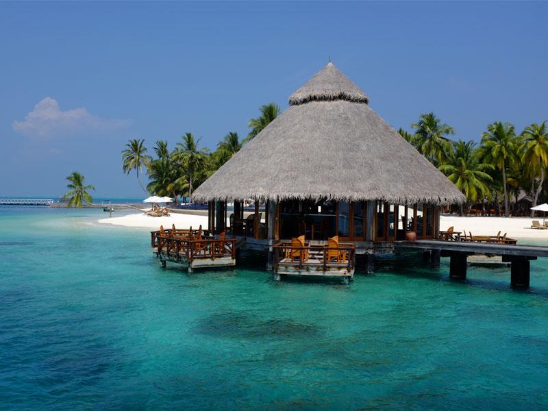Discover this must see private island resort in the for Hotel conrad maldivas islas rangali