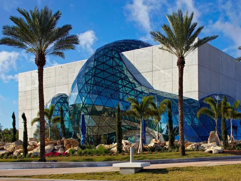 Top 13 Things To Do on a Rainy Day in Florida - TripsToDiscover