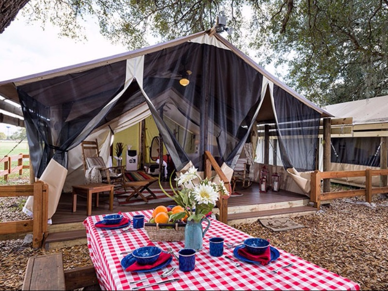 9 Beautiful Glamping Spots In Florida With Photos