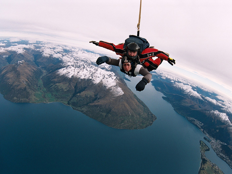 b9874df5365d 12 of the World s Greatest Places to Skydive - TripsToDiscover