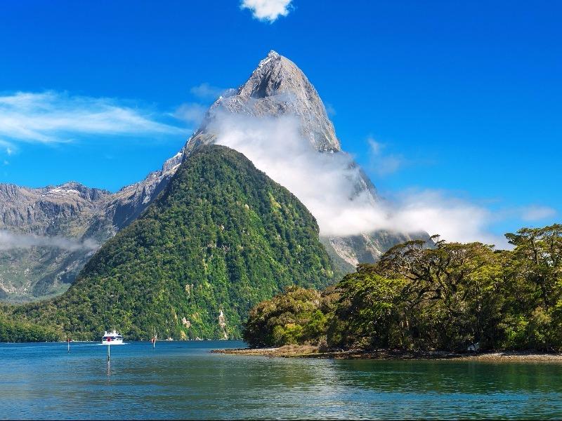 Mitre Peak Milford Sound, Fiordland