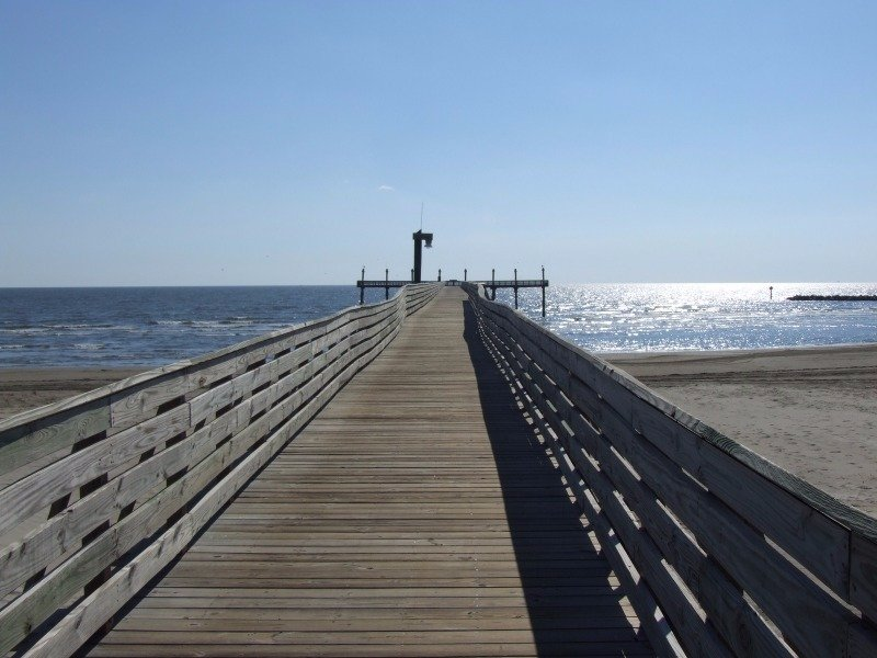 Fishing pier, Grand Isle