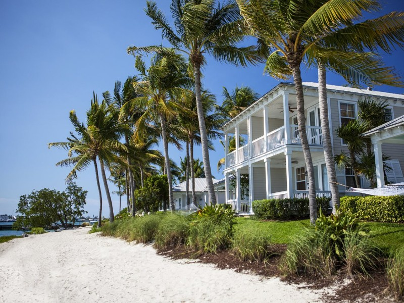Awe Inspiring 10 Charming Beachfront Cottages In Florida With Ocean Home Interior And Landscaping Analalmasignezvosmurscom