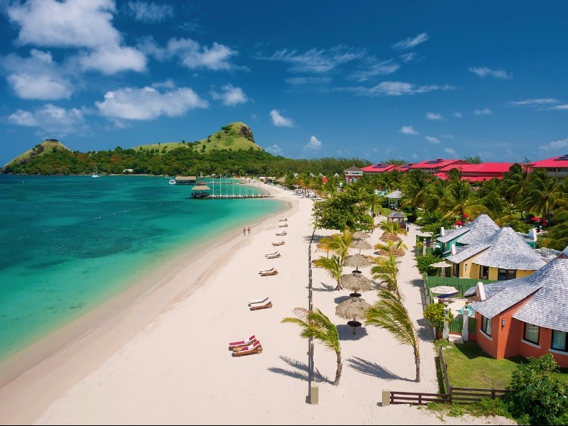 bd7d8f95ecfb6 10 Best (Top-Rated) St. Lucia Honeymoon Resorts - TripsToDiscover