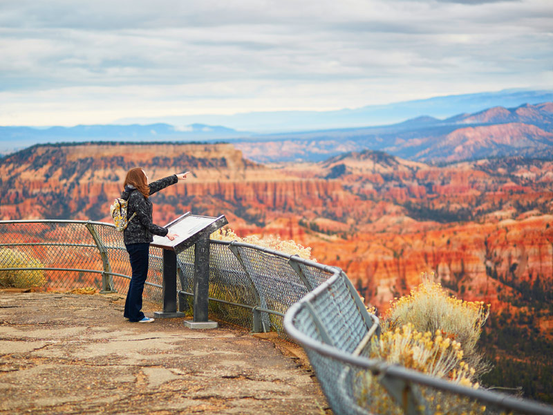 9 best walking tour vacations in the world tripstodiscover for Bryce canyon cabine occidentali