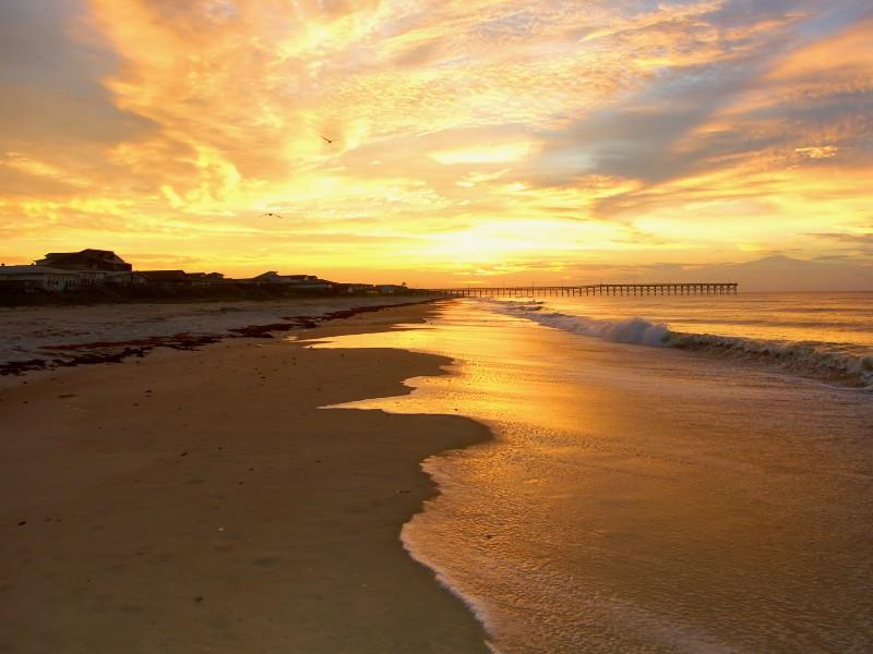 9 best beaches in north carolina for Holden beach fishing
