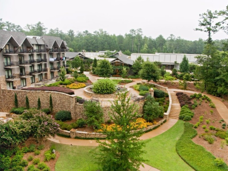 9 most relaxing luxurious spa resorts in georgia tripstodiscover for Hotels near callaway gardens ga