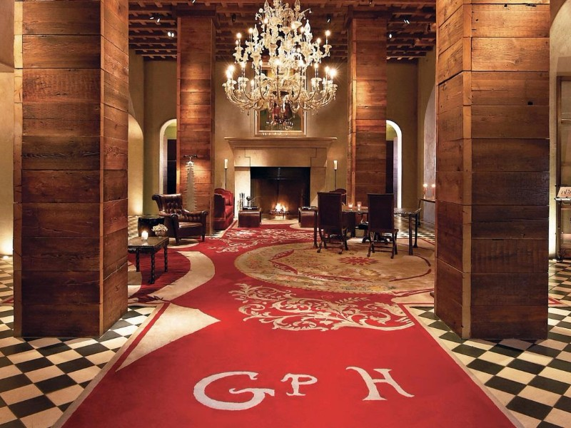 8 Best Luxury Hotels In New York City For The Holidays