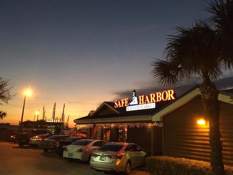 15 best seafood restaurants in florida tripstodiscover. Black Bedroom Furniture Sets. Home Design Ideas