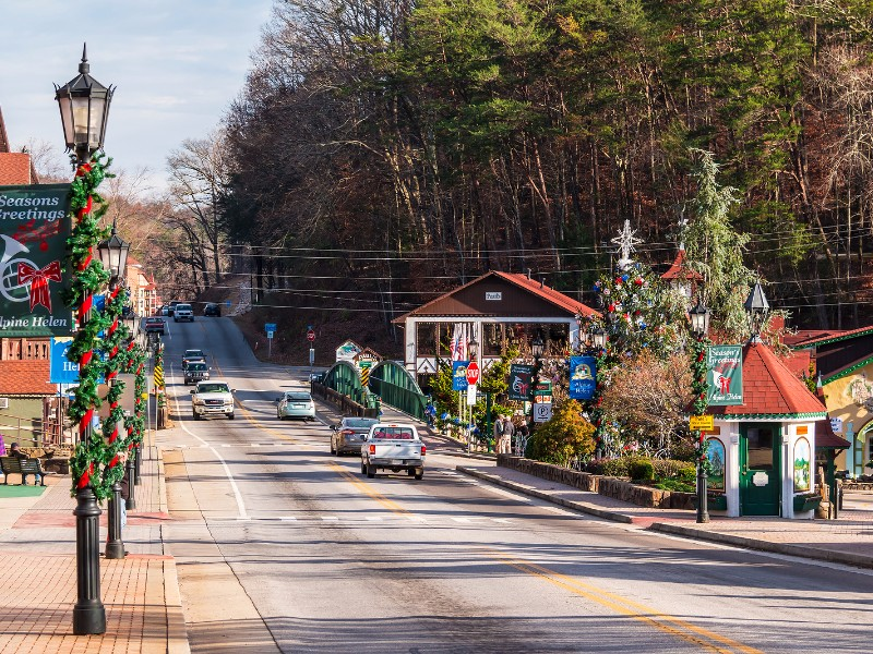 Helen Ga Christmas.10 Fun And Festive Christmas Towns In Georgia Tripstodiscover