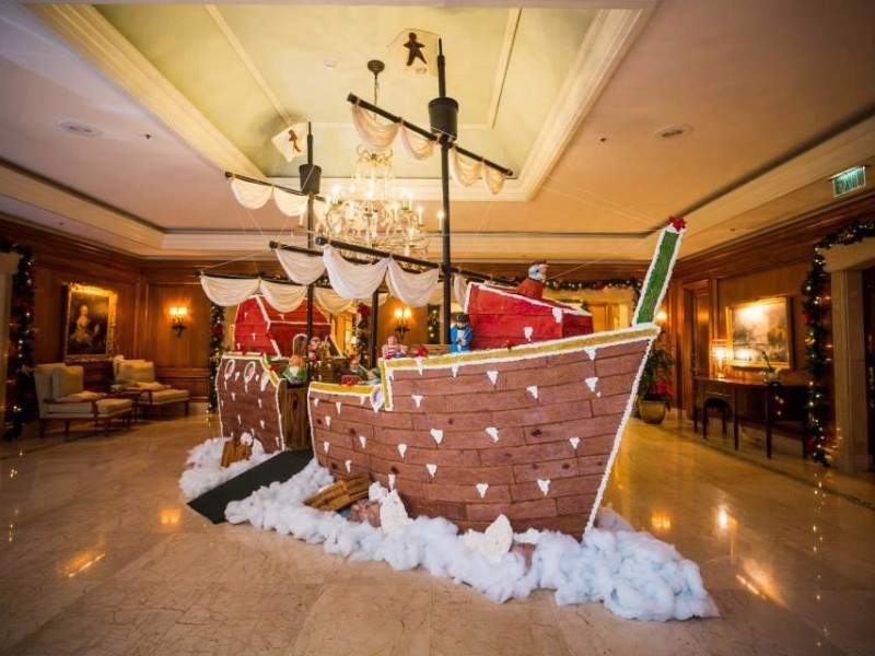 10+ Best Florida Hotels to Visit This Christmas - TripsToDiscover
