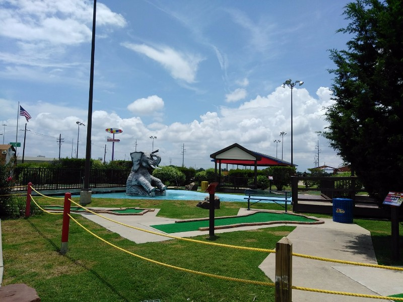10 Best Mini Golf Courses in Texas - TripsToDiscover