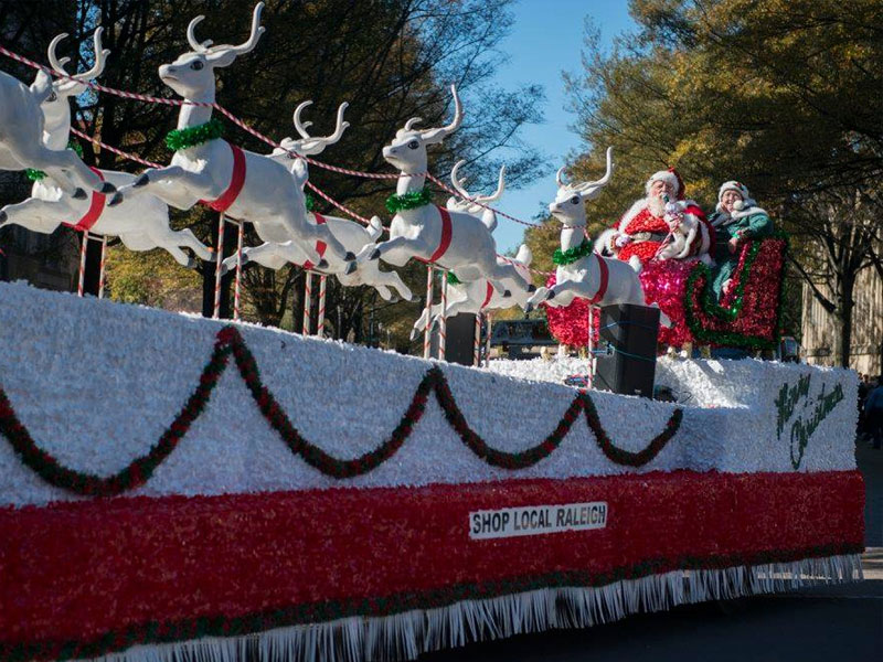 Christmas Parade 2021 Bennette Nc Celebrate The Season At These 8 Christmas 2021 Parades In Nc Trips To Discover