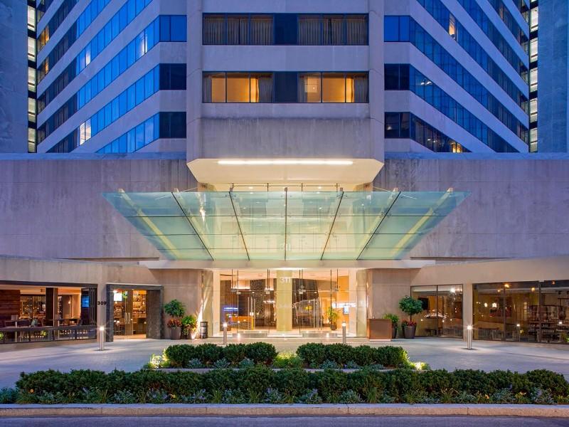 Hotels Near Louisville Slugger Museum