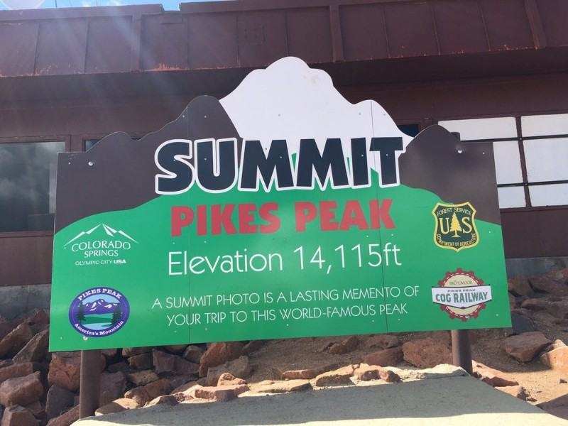 Have A Donut On One Colorado S Tallest Mountains At Pikes