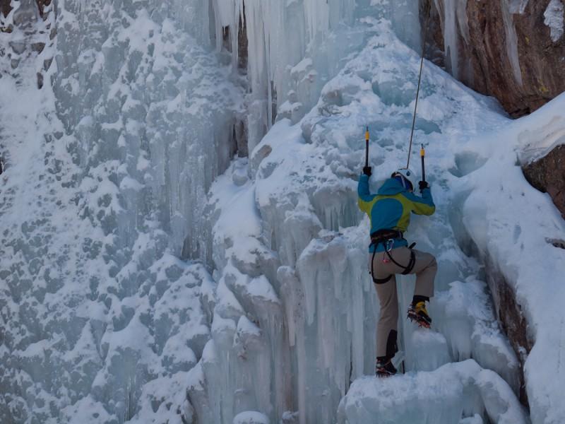 trải nghiệm leo núi băng ở Ouray