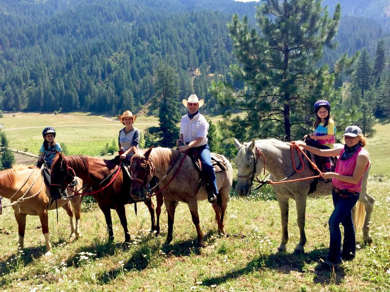 8 Best Dude Ranches in Idaho (with Prices & Photos