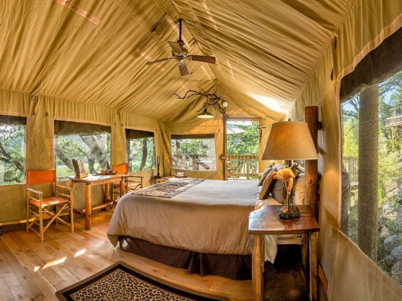 10 Best Glamping Spots in California (with Photos