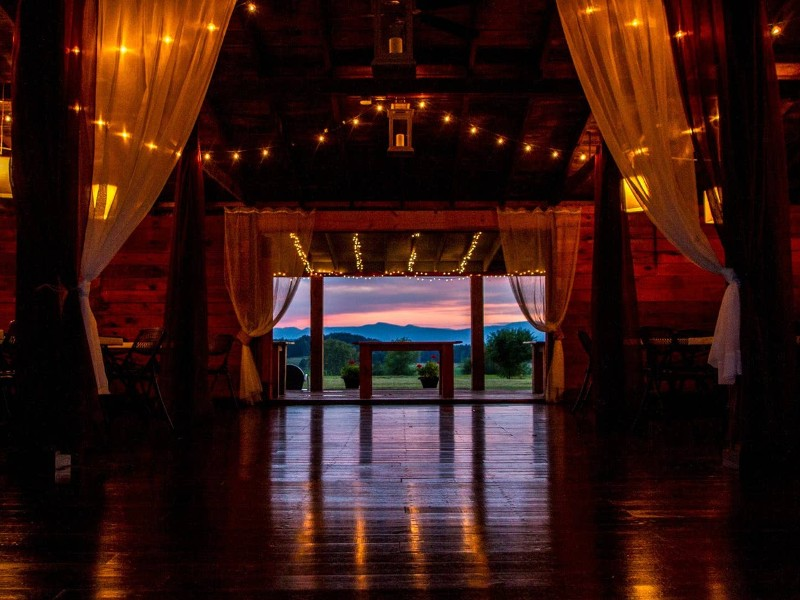 8 Ultimate Airbnb Wedding Venues In The Us For 2020 Tripstodiscover