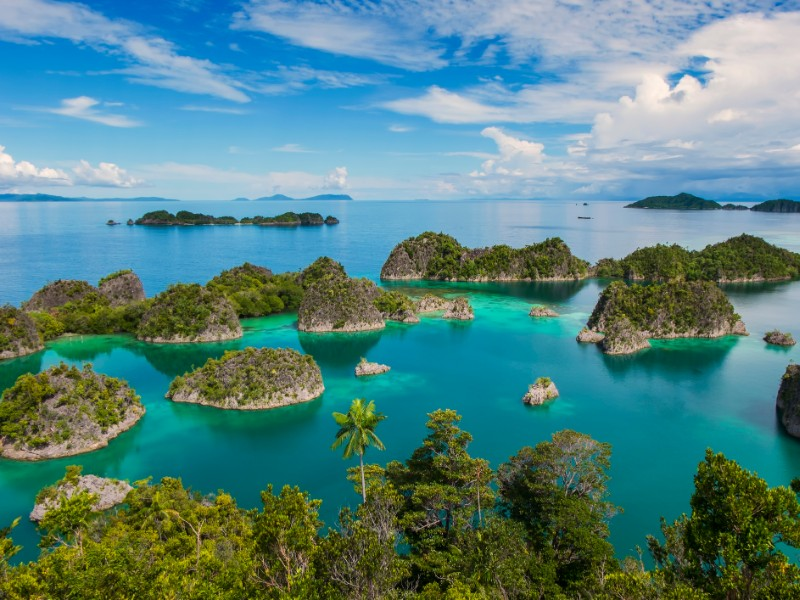 10+ Dreamy Islands in Indonesia to Visit in 2020 (with Photos)