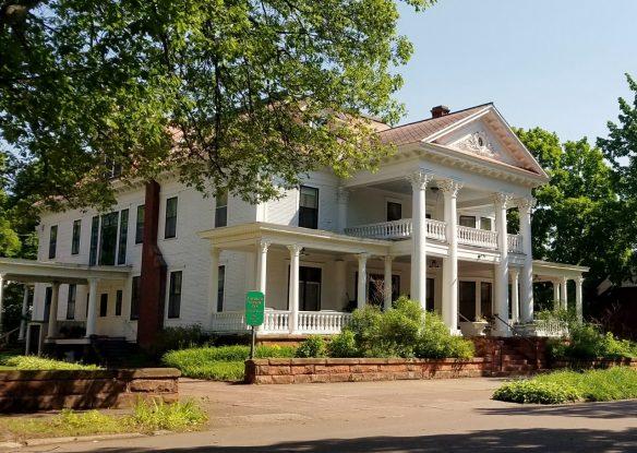 exterior of manor inn rental